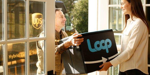 Loop, le supermarché en ligne spécialisé dans la consigne de contenants 2.0, arrive en France et est pour le moment disponible à Paris et sa petite couronne. Les consommateurs peuvent y acheter une centaine de produits du quotidien, proposés dans un emballage consigné, conçu par les marques. Ces produits sont livrés à leur domicile dans un sac durable @loop_france , également consigné. Une fois les produits terminés, les consommateurs redonnent les emballages vides. Loop nettoie et stérilise les contenants, puis les remet aux industriels comme Carrefour qui les re-remplissent. Ainsi, les contenants font un circuit entre les industriels, Loop et le consommateur sans jamais être jetés. Une belle initiative qui surfe sur la tendance du zéro déchet.